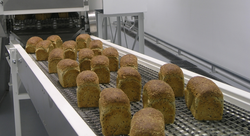 Is a metal conveyor belt ideal for bread?