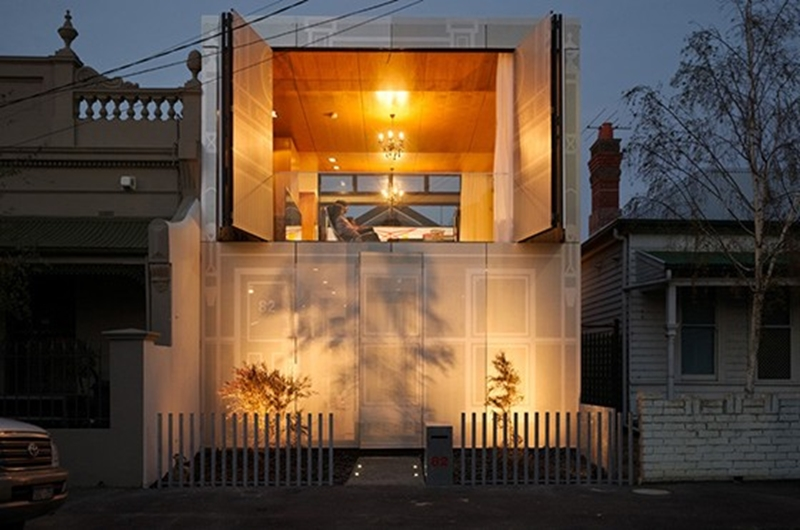 The KUD house feels spacious and airy, despite its small footprint.